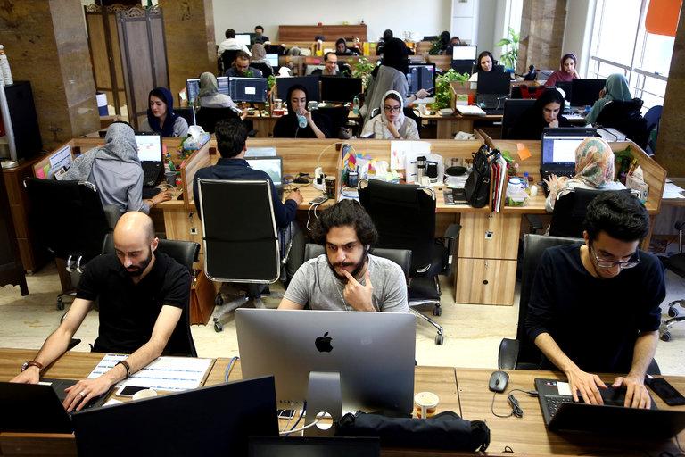 اپ استور اپلیکیشن های ایرانی را حذف میکند